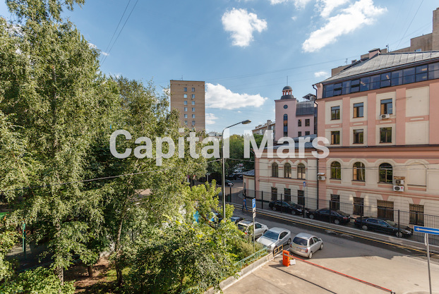 Вид из окна в квартире на ул. Бутырский Вал, д. 28