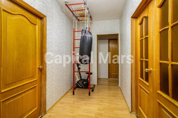 Коридор в квартире на ул. Героев Панфиловцев, д. 3