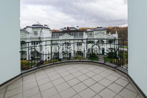 Балкон в квартире на ул. Береговая, д. 4, к. 2