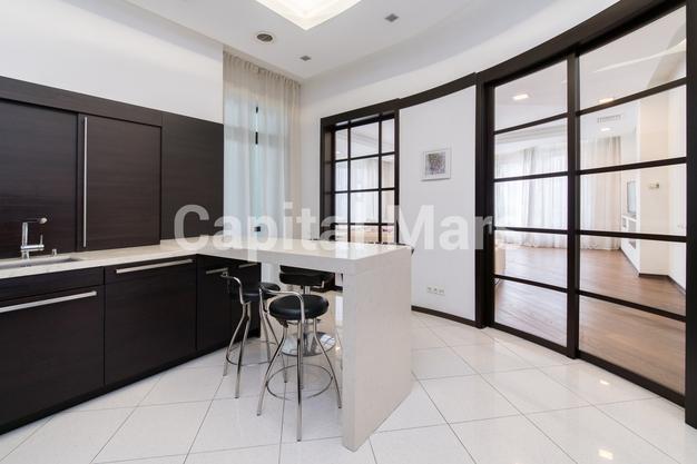 Кухня в квартире на ул. Береговая, д. 4, к. 2