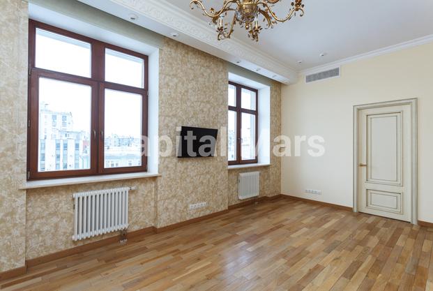 Жилая комната в квартире на пер. Гнездниковский Б., д. 3