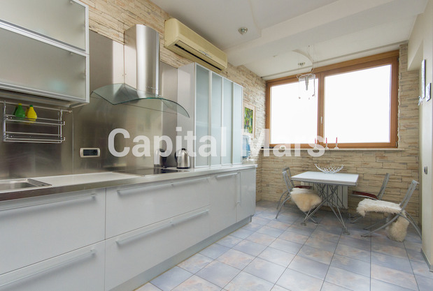 Кухня в квартире на ул. Молодогвардейская, д. 2, к. 2