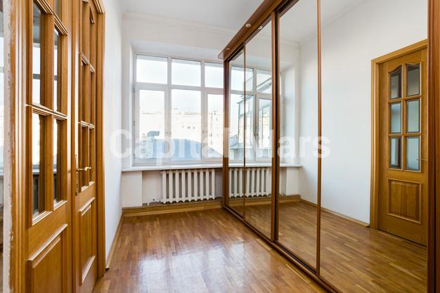 Коридор в квартире на ул. Серафимовича, д. 2