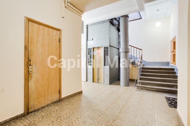 Подъезд в квартире на ул. Серафимовича, д. 2