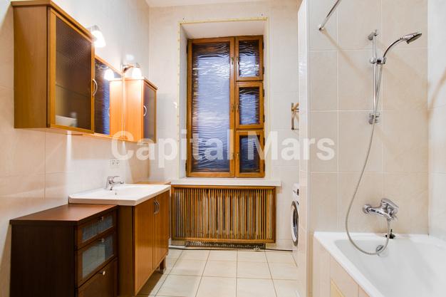 Ванная комната в квартире на Гранатный пер, д. 10, стр. 1