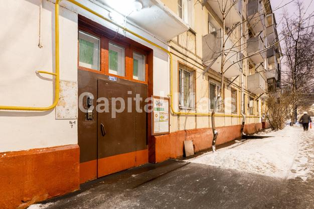 Подъезд в квартире на ул. Подвойского, д. 14