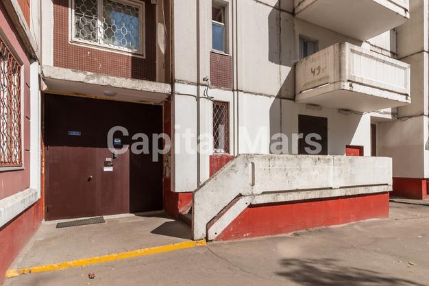 Подъезд в квартире на ул. Днепропетровская, д. 1