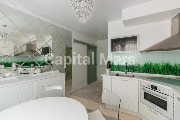 Кухня в квартире на ул. Днепропетровская, д. 1