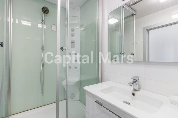 Ванная комната в квартире на ул. Днепропетровская, д. 1