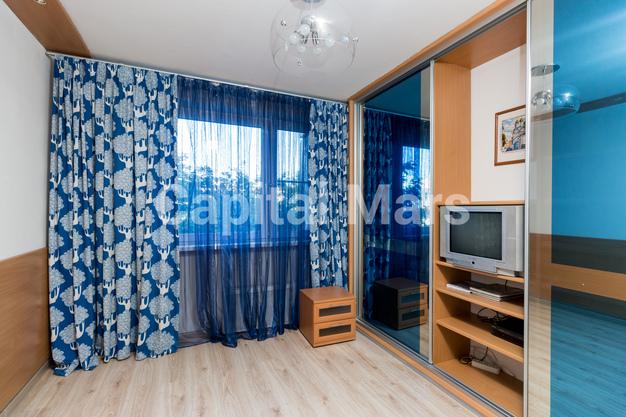 Жилая комната в квартире на ул. Днепропетровская, д. 1