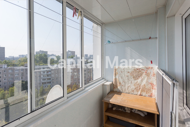 Балкон в квартире на ул. Профсоюзная, д. 93, к. 4