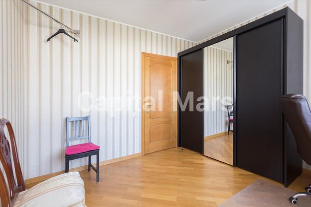 Жилая комната в квартире на ул. Профсоюзная, д. 93, к. 4