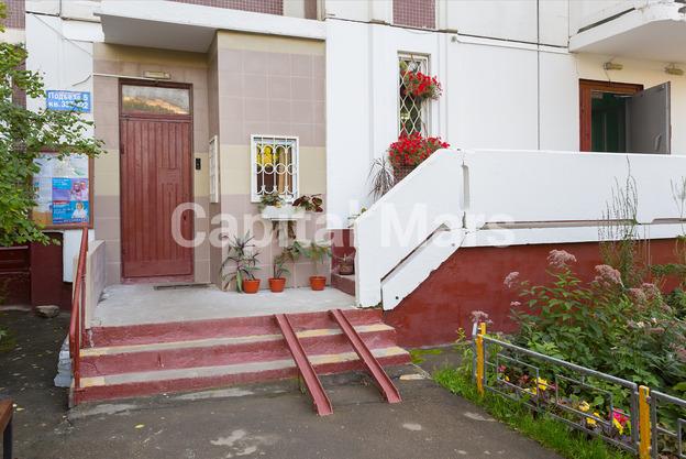 Подъезд в квартире на ул. Профсоюзная, д. 93, к. 4