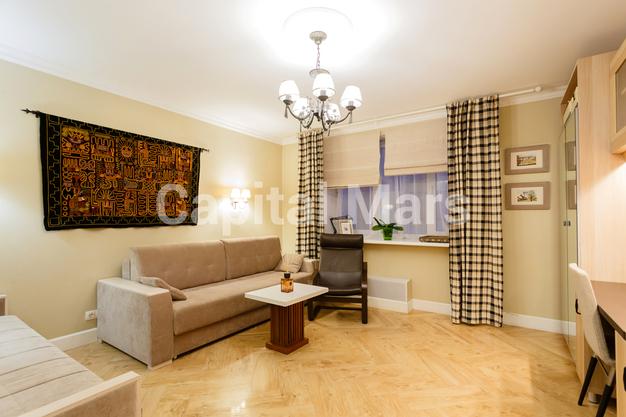 Гостиная в квартире на ул. Псковская, д. 9, к. 2