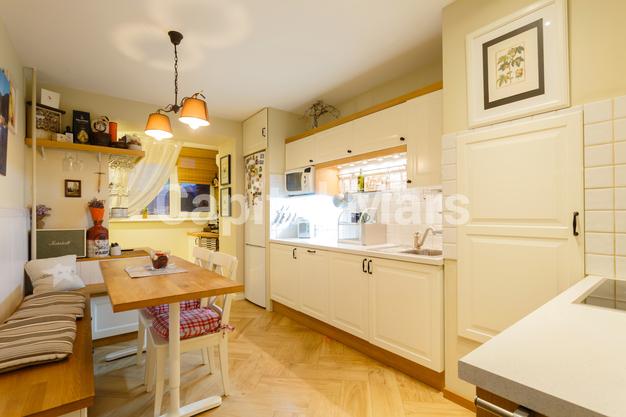 Кухня в квартире на ул. Псковская, д. 9, к. 2