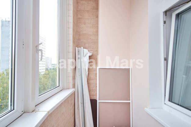 Лоджия в квартире на ул. Маршала Тимошенко, д. 17, к. 2