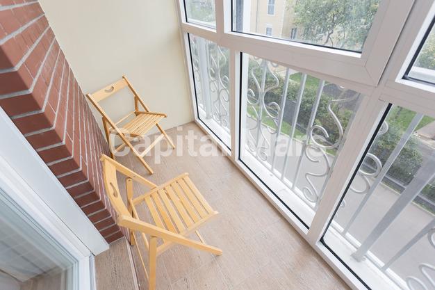 Балкон в квартире на ул. Мытная, д. 7, стр. 1
