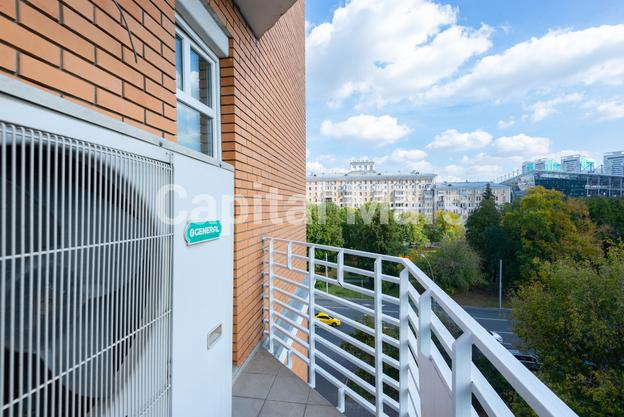 Балкон в квартире на ул. Куусинена, д. 23, к. 2