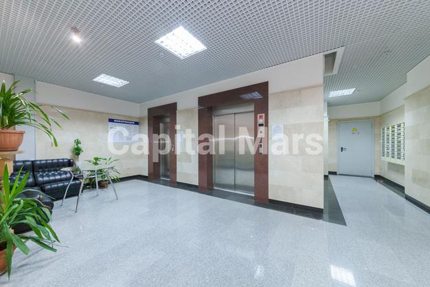Подъезд в квартире на ул. Чаянова, д. 24