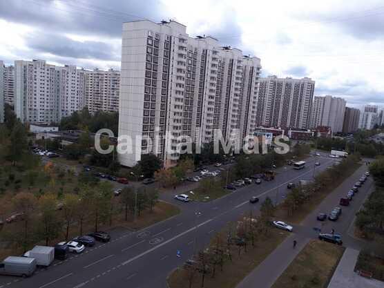 Вид из окна в квартире на ул. Новомарьинская, д. 17