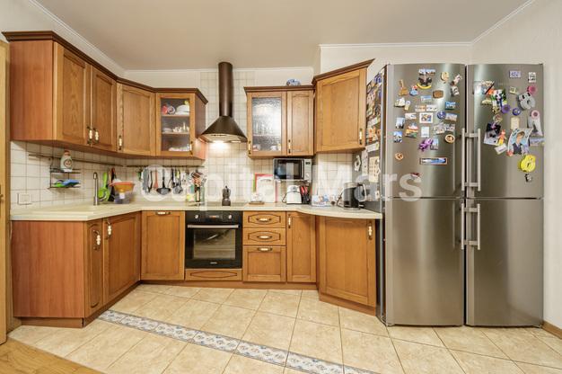 Кухня в квартире на ул. Медиков, д. 14, к. 2