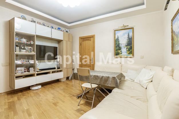 Гостиная в квартире на ул. Медиков, д. 14, к. 2
