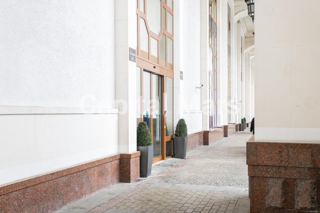 Подъезд в квартире на Чапаевский пер, д. 3