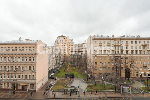 Вид из окна в квартире на ул. Долгоруковская, д. 40