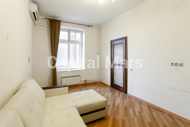Жилая комната в квартире на ул. Гиляровского, д. 50