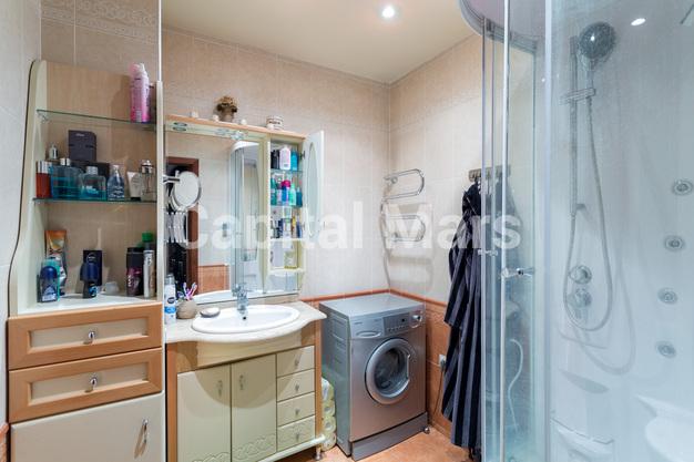 Ванная комната в квартире на ул. Набережная Б., д. 19, к. 2