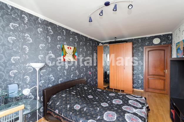 Спальня в квартире на ул. Набережная Б., д. 19, к. 2