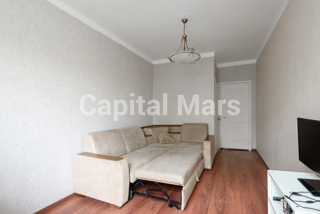 Жилая комната в квартире на ул. Маршала Неделина, д. 28