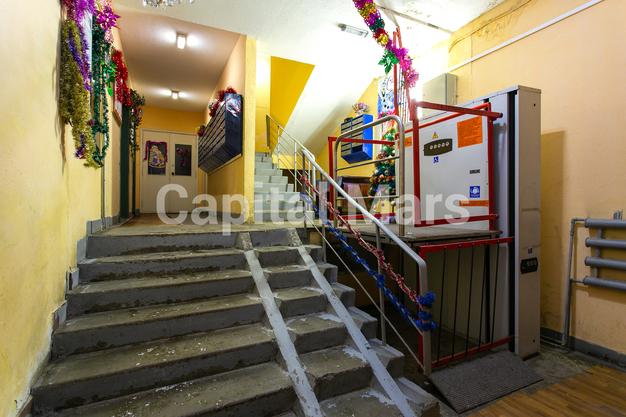 Подъезд в квартире на ул. Кадырова, д. 8, к. 3