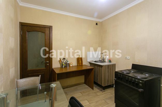 Кухня в квартире на ул. Кадырова, д. 8, к. 3