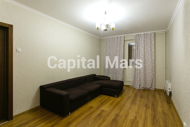 Жилая комната в квартире на ул. Кадырова, д. 8, к. 3
