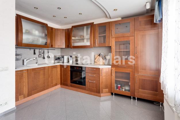 Кухня в квартире на ул. Маршала Тухачевского, д. 58, к. 3