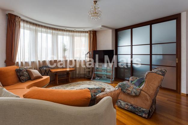 Гостиная в квартире на ул. Маршала Тухачевского, д. 58, к. 3
