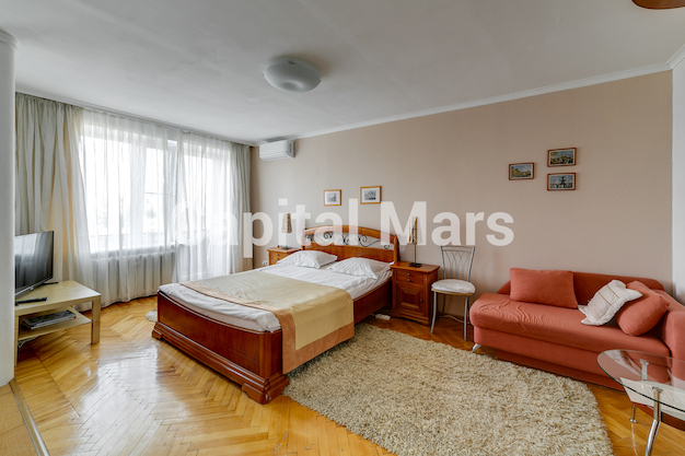 Жилая комната в квартире на Грузинский пер, д. 16