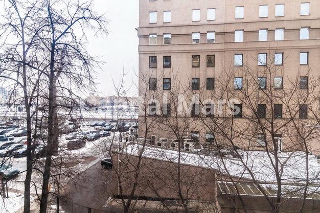 Вид из окна в квартире на ул. Николаева, д. 1